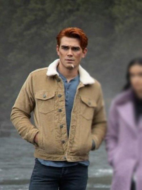 Archie-Andrews-Riverdale-Season-4-KJ-Apa-Brown-Jacket