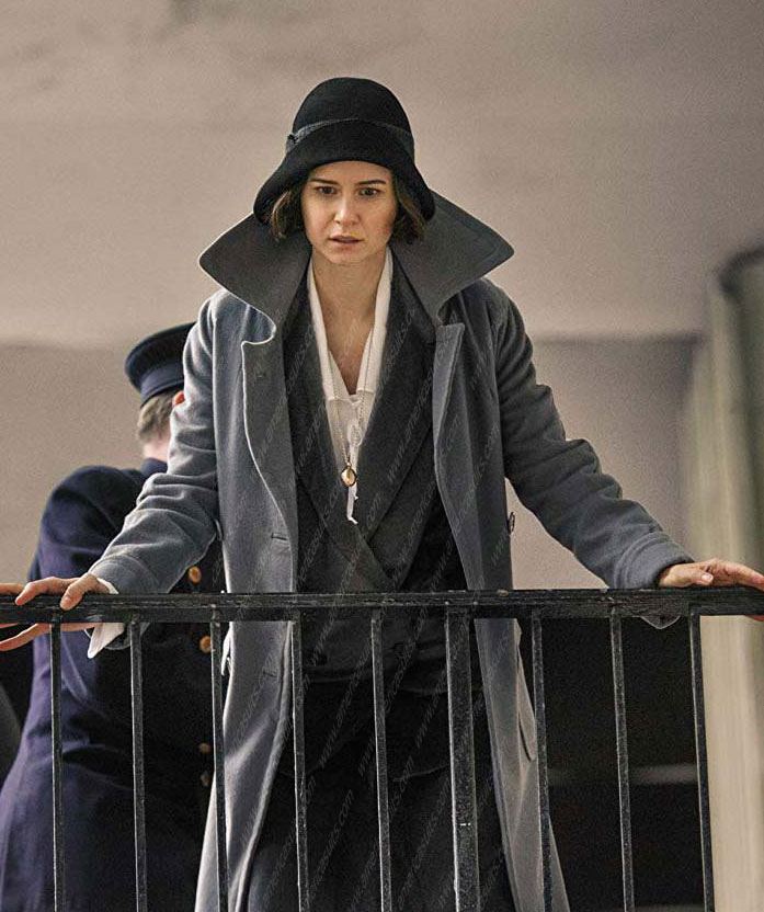 Fantastic-Beasts-Tina-Goldstein-Katherine-Waterston-Grey-Coat-(1) - Copy