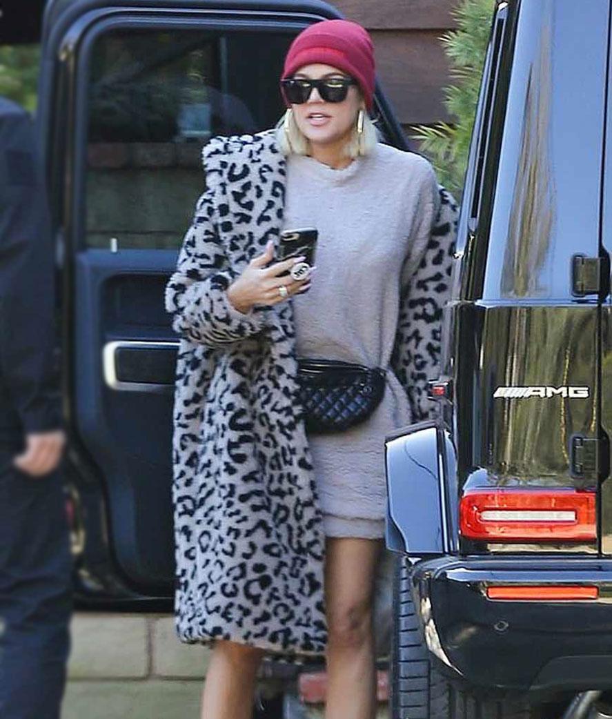Keeping-Up-With-The-Kardashians-S018-Khloe-Leopard-Coat