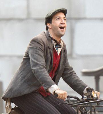 Lin-Manuel-Miranda-Mary-Poppins-Returns-Jack-Mary-Poppins-Coat-(3)
