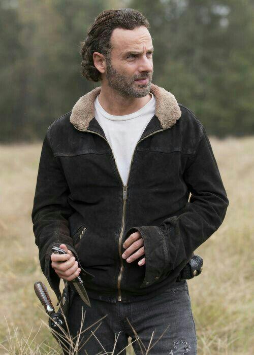 Andrew-Lincoln-The-Walking-Dead-Rick-Grimes-Jacket-Season-4