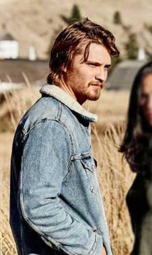 yellowstone-Luke-Grimes-jacket-(1)